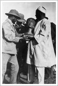 Ludwig Borchardt in Amarna with the bust of Nefertiti, 1912