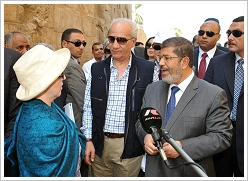 Tourist, Minister of Antiquities Mohammed Ibrahim and President Mohammed Morsi at Luxor Temple